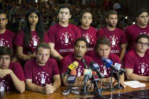 Estudiantes  exigen liberar a detenidos