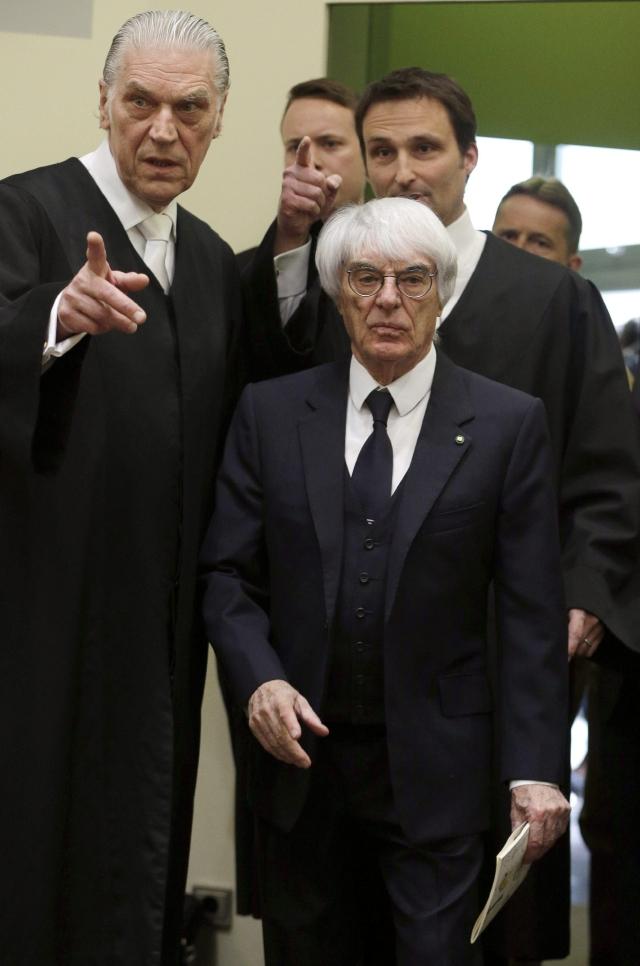Inicia juicio contra Bernie