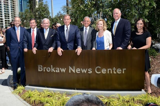 NBCUniversal dedica nuevo edificio al periodista Tom Brokaw