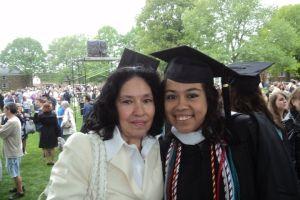Altos costos universitarios frustran sueños de jóvenes en EEUU