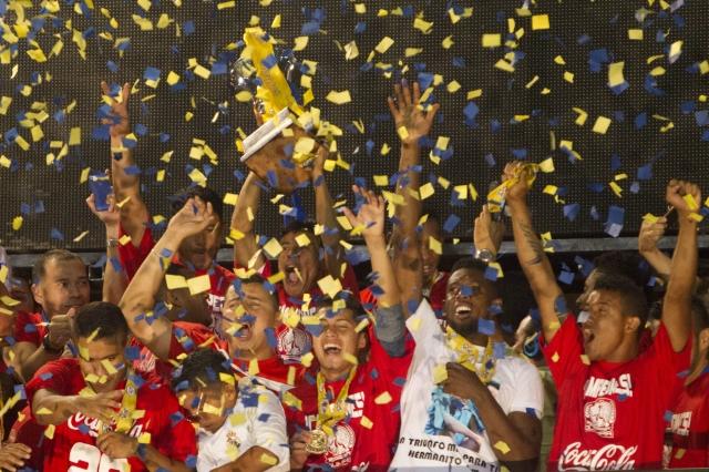 Olimpia  festeja a ritmo de  penales
