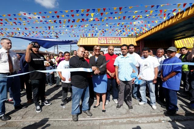 Anuncian primer sindicato de 'carwasheros' a nivel nacional