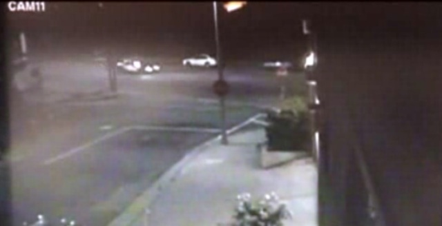Arrestan hombre por choque que mató policía hispano