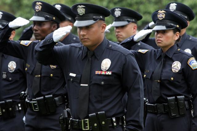 LAPD apelará fallo millonario por expulsión de cadetes