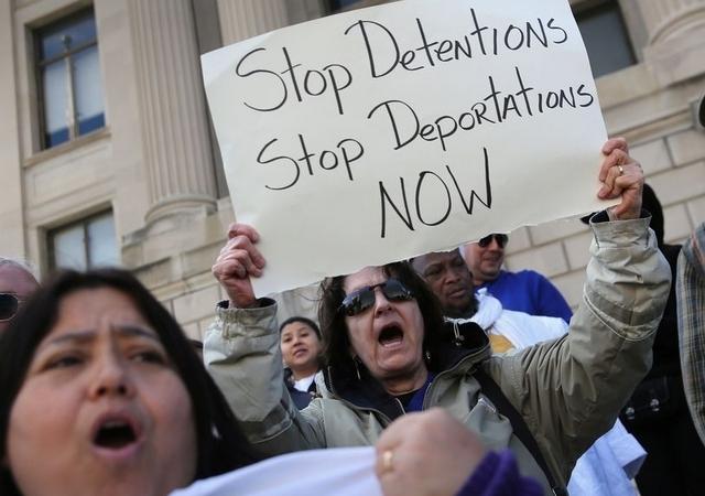 Divide a demócratas alivio migratorio por parte de Obama