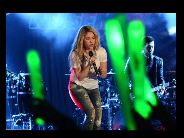 Shakira y Christina Aguilera hacen un tango