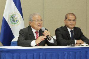 Sánchez Cerén mantendrá base de EEUU