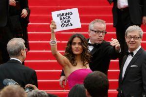 Salma Hayek pide ayuda para niñas nigerianas en Cannes