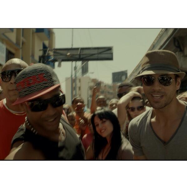 Enrique Iglesias encabeza de nuevo lista Latin Airplay de Billboard