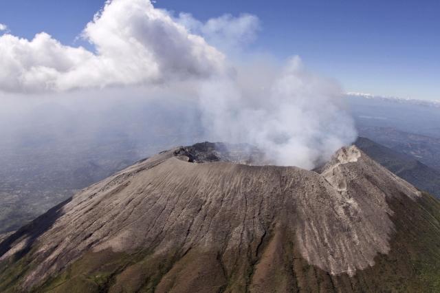 Aumenta actividad sísmica en volcán Chaparrastique