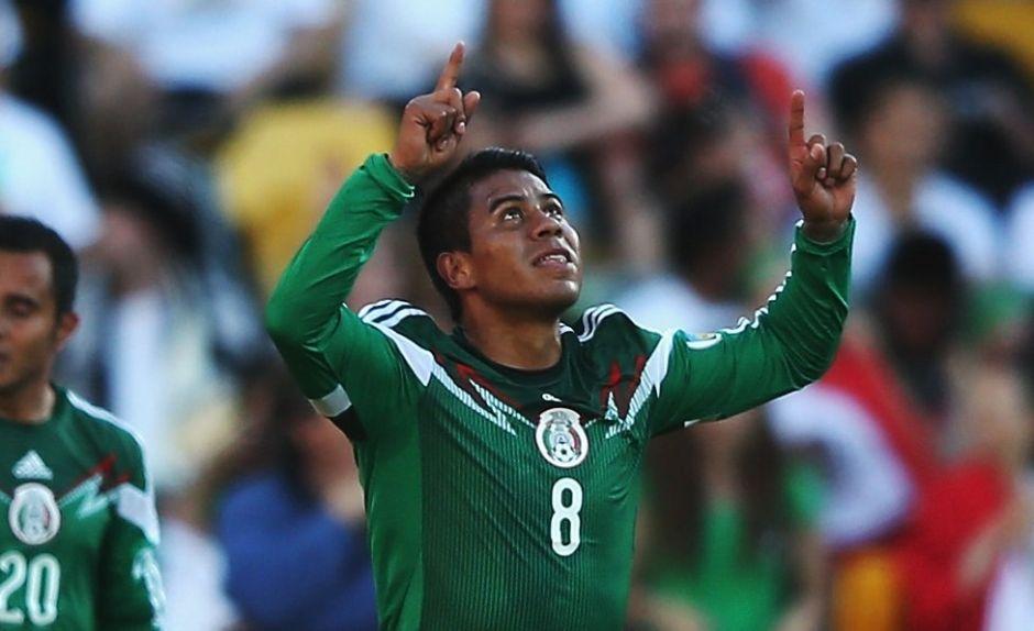 El 'Negro' Medina causa baja del 'Tri' y se pierde el Mundial