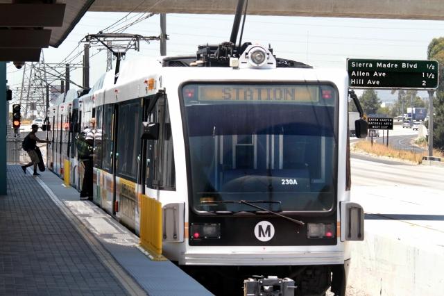 #BuenosDíasLA: Rechazan aumento de pasajes en Metro