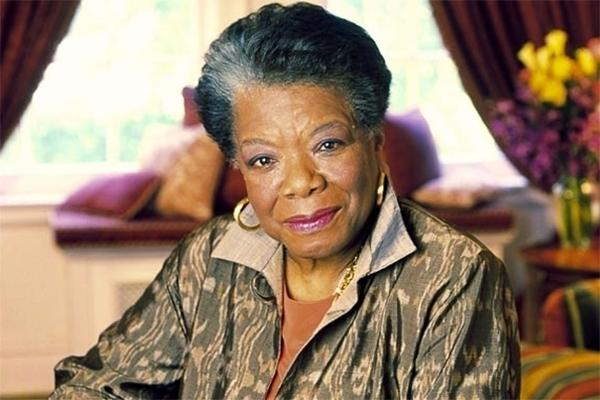 Maya Angelou nunca tomó clases en la universidad, pero recibió 30 títulos honorarios.