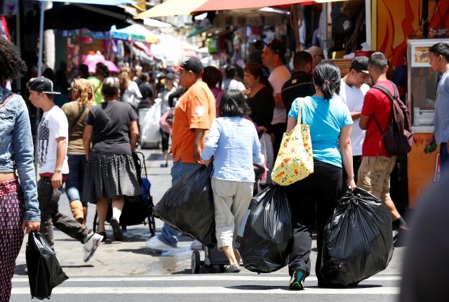 Ir de compras a los 'Callejones' de Los Ángeles no pasa de moda