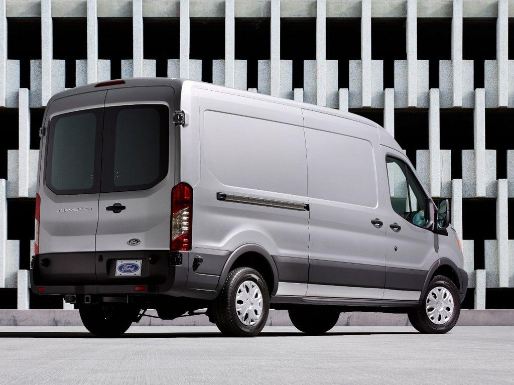La Ford Transit domina el mercado europeo de camionetas de carga.
