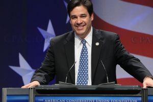 Legislador hispano  busca reemplazar a Cantor
