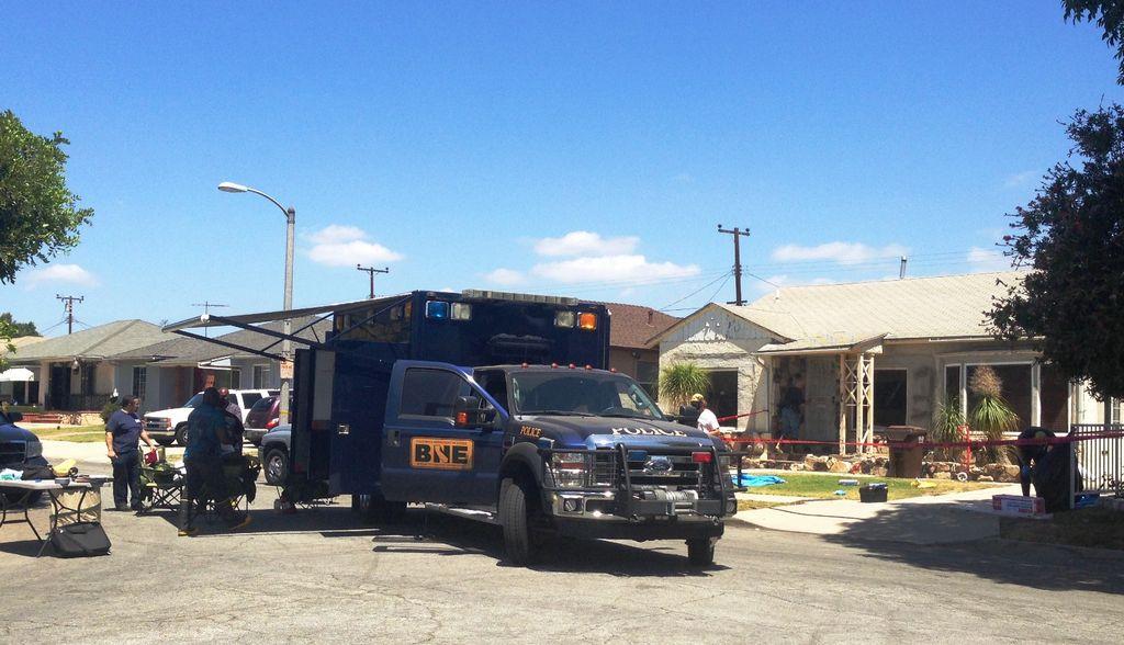 Incendio deja al descubierto laboratorio de drogas en Compton