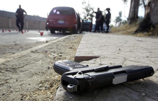 Mueren cinco sicarios tras enfrentamientos en México