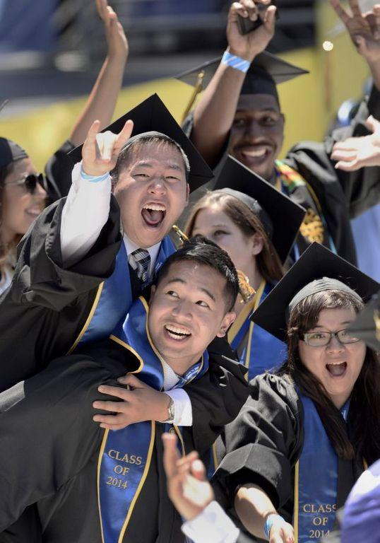 Es el momento de los graduados