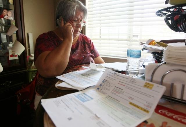 Familia latina denuncia un cobro excesivo