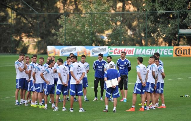 El equipo argentino entrenó ayer por última vez en  Belo Horizonte antes de viajar a Brasilia para enfrentar a los belgas.