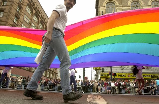 Gay, indocumentados  y sin  cuidados médicos