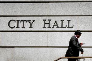 Proponen prohibir que los concejales reciban fondos de constructores