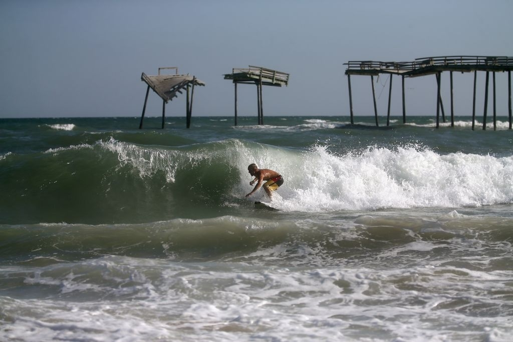 Acapulco y el D.F. con el agua hasta el cuello