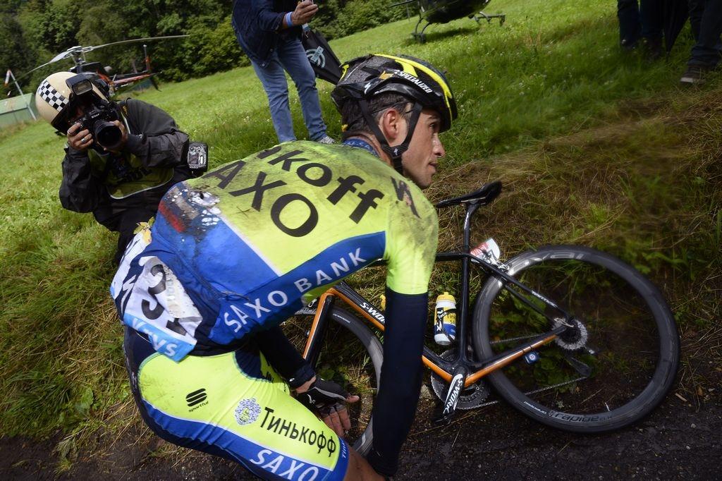 Contador abandona Tour de Francia entre lágrimas