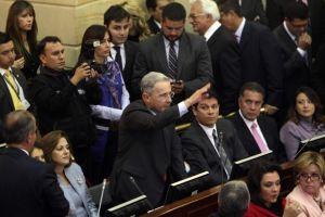 Instalan Congreso en Colombia con Uribe a bordo