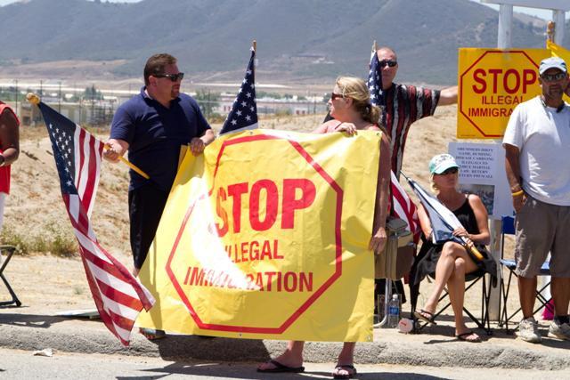 Crece el cabildeo antiinmigrante en California según informe