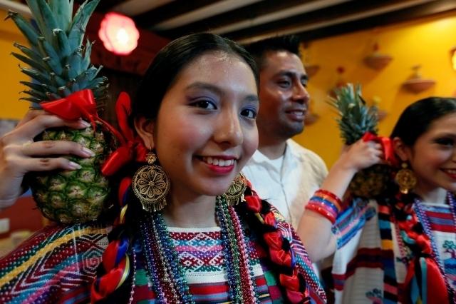 Un festival gastronómico y un torneo de basquetbol son parte de los festejos por el Mes de la Herencia Oaxaqueña en Los Ángeles.