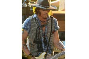 Johnny Depp se sube al escenario con Aerosmith en LA (video)