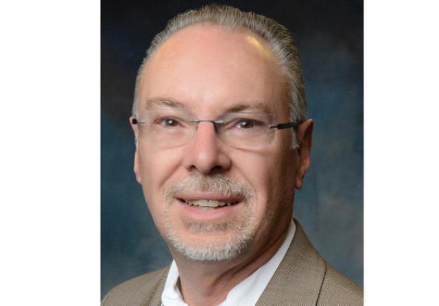 Asesor de concejal de L.A. enfrenta cargos de malversación de fondos públicos
