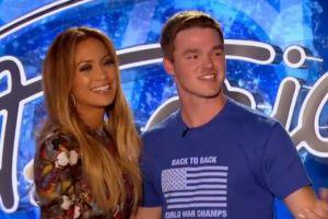 J.Lo baila con concursante de 'American Idol'. ¡Mira el video!