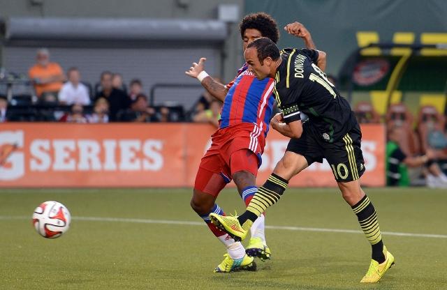 Donovan le da el triunfo a la MLS sobre el Bayern