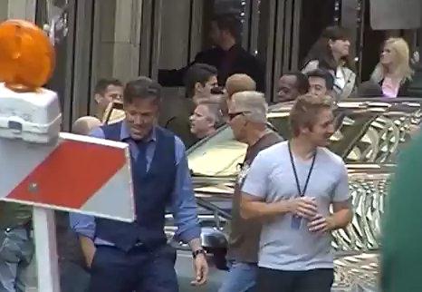 En un vídeo grabado por un espectador se ve al actor interpretando una de las escenas de la película.