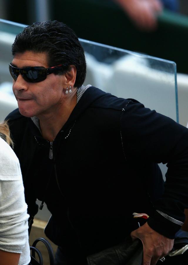 Diego Armando Maradona sigue con sus malos modales de siempre.