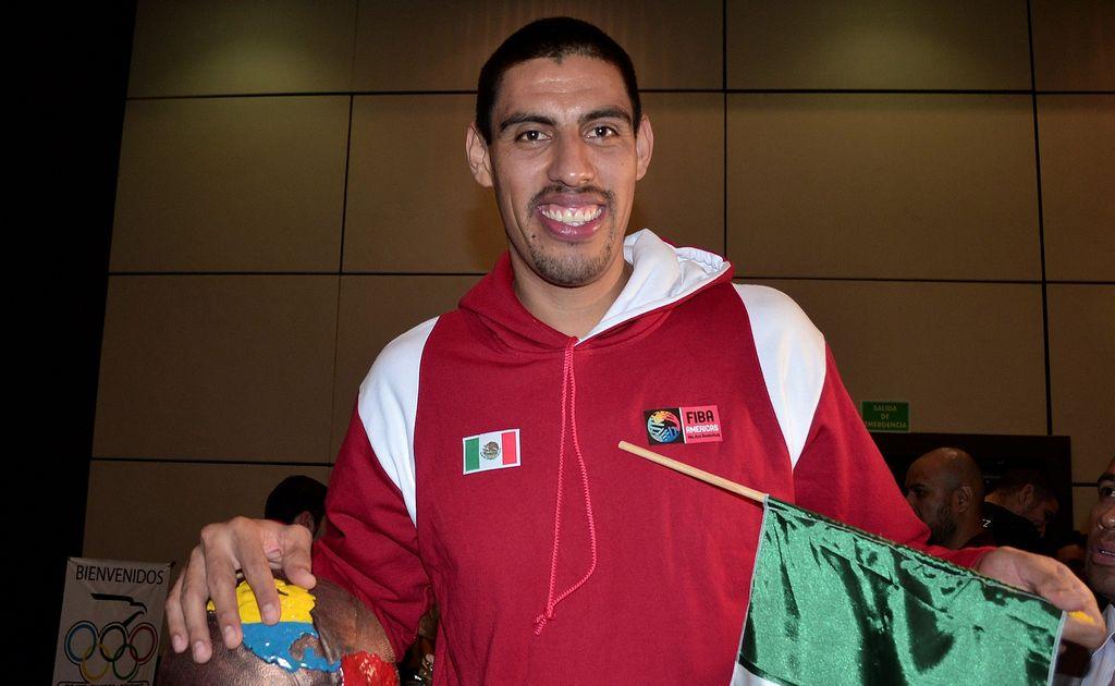 Mexicano Ayón se reincorpora a los entrenamientos