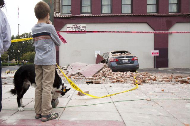 Gobernador Brown declara estado de emergencia por sismo en Napa