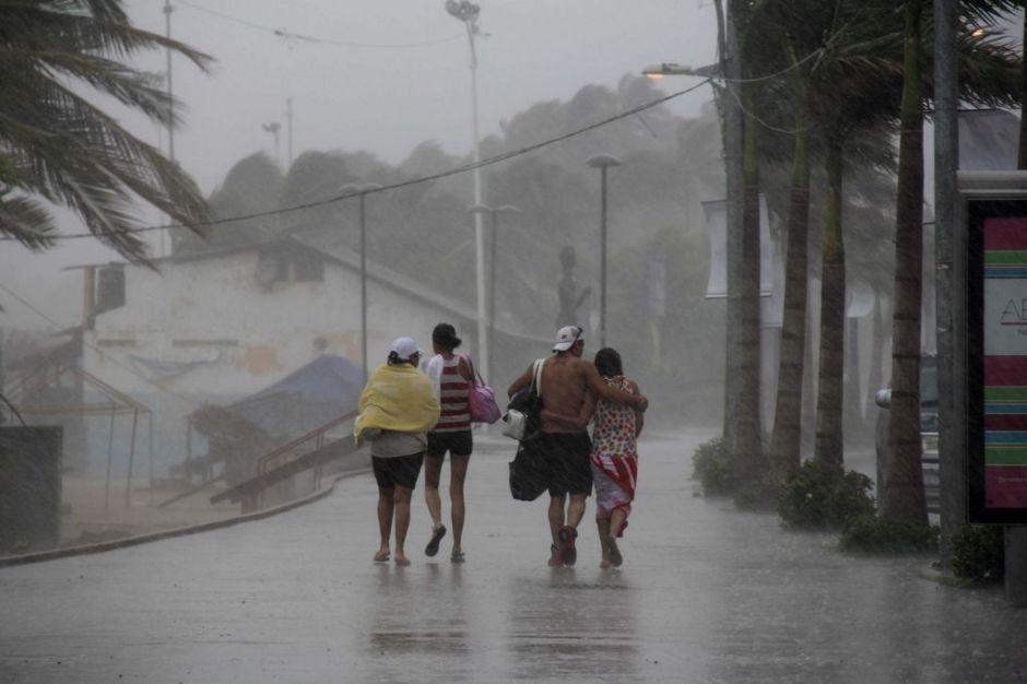 Huracán Marie alcanza la categoría 4 en el Pacífico mexicano
