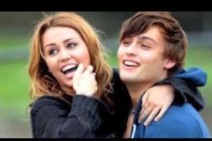 Miley Cyrus y Douglas Booth, ¿habrá romance?