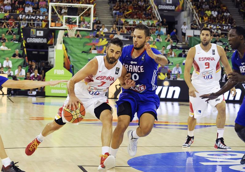 España vence a Francia y se asegura el primer puesto del grupo