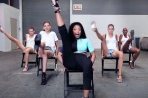 Nicki Minaj da sexy clase de baile a Top Models