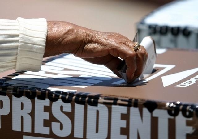 Los mexicanos podrán seguir votando para los cargos de presidente y senadores pero no en las elecciones de los estados.