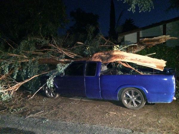 La tormenta causó daños en Inland Empire.