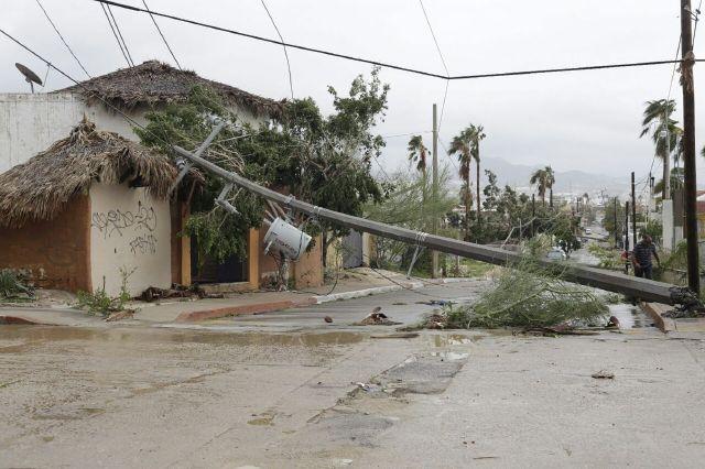 La tormenta provocó daños en la infraestructura en Los Cabos.