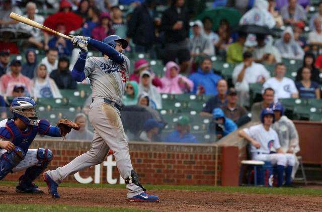 Escapa triunfo a Dodgers