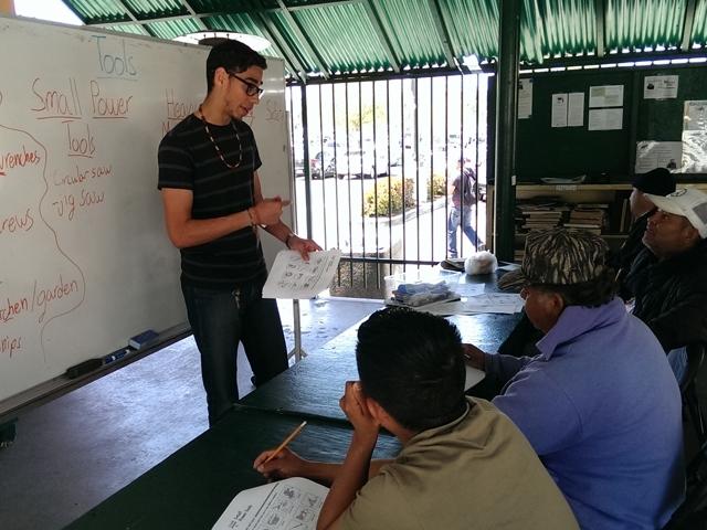Centro jornalero digital ayuda a encontrar trabajo en LA