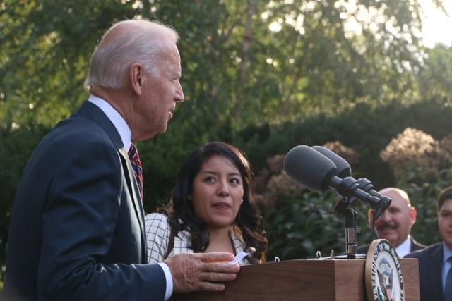 """Según Biden, la comunidad hispana se encuentra en un """"punto de inflexión"""" y tiene el potencial de """"cambiar literalmente el país""""."""